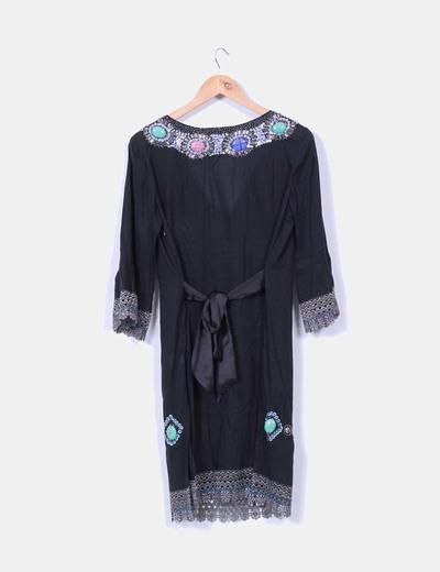 Vestido negro con pedreria
