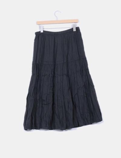 Falda negra larga vuelo