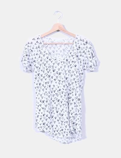 Camiseta blanca print corazones Zara