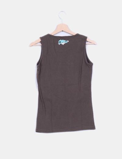 Camiseta marron sin mangas estampado letras