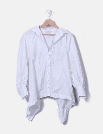 Camisa blanca corta asimétrico