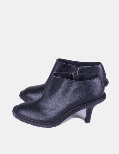Zapato negro abotinado de piel NoName