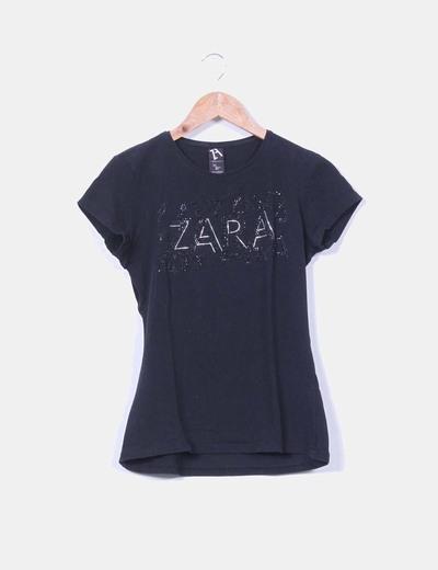 Top negro print letras strass Zara