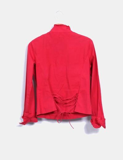 Camisa roja detalle chorreras