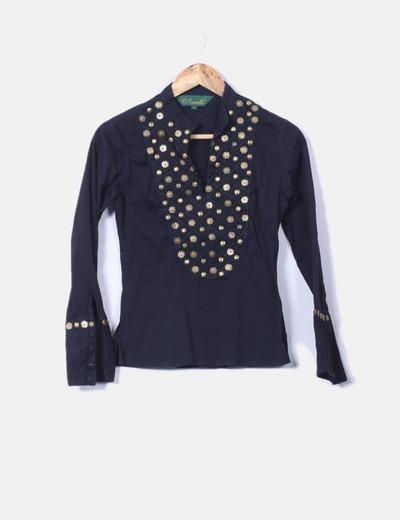 Camisa negra mao con tachas Romanelli