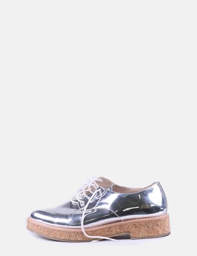 Zapato plateado cordones suela corcho