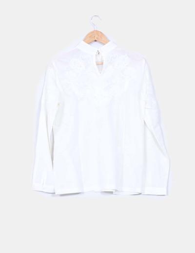 Camisa beige bordada manga larga