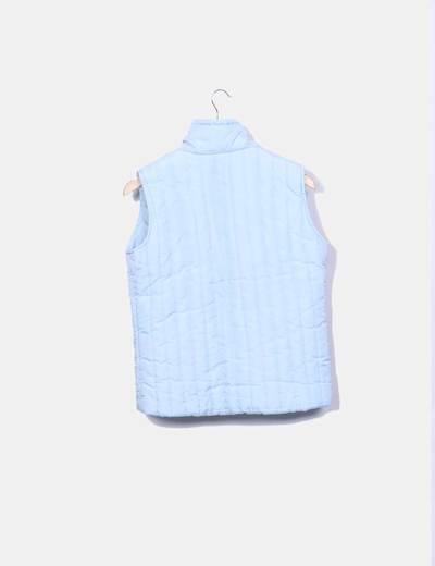 Chaleco azul claro acolchado