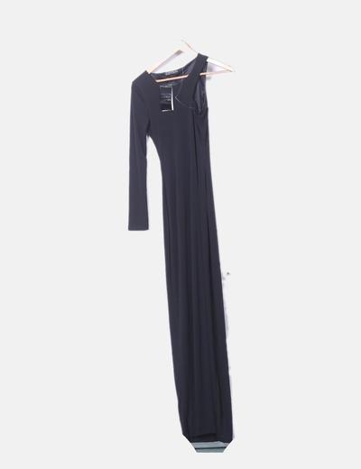 Vestido negro asimétrico con abertura