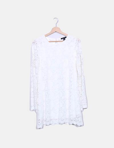 Vestido fluido de encaje blanco Shelanna