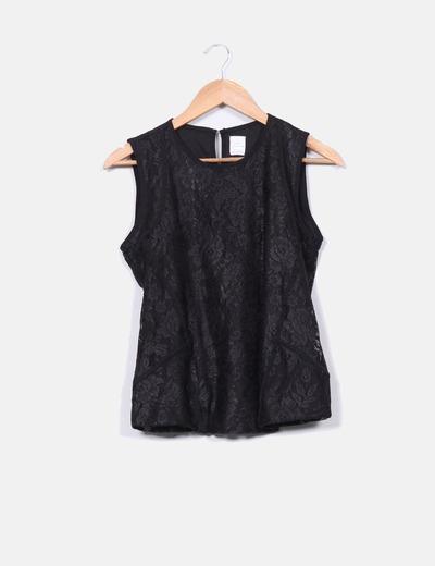 Top negro con puntilla Zara