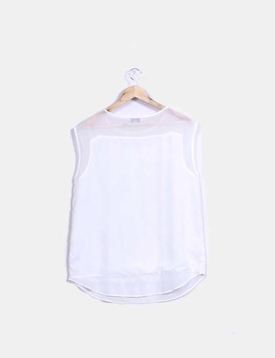 Blusa blanca bordada detalles dorados