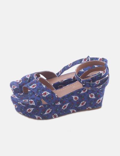 Sandalia cuña azul floral