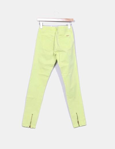 Pantalon verde lima con cremalleras