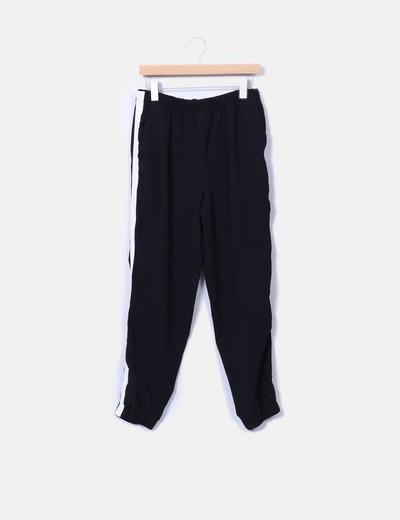 Pantalón baggy negro franja blanca Zara