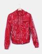 Chaqueta roja tela brillante efecto chubasquero Belstaff