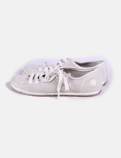 Chaussures beiges de sport avec trous Camper