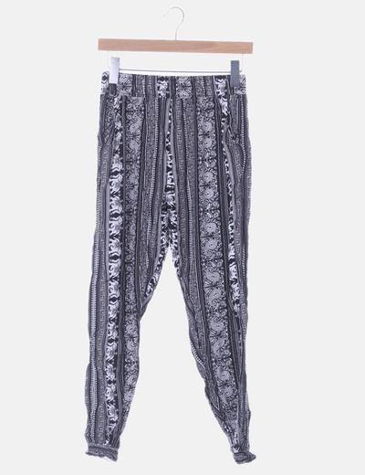Pantalón baggy negro y blanco print