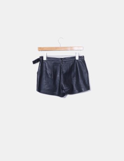 Bershka Falda pantalón negro efecto piel (descuento 80%) - Micolet 4cac41c3421c