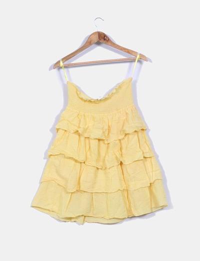 Vestido amarillo con volantes