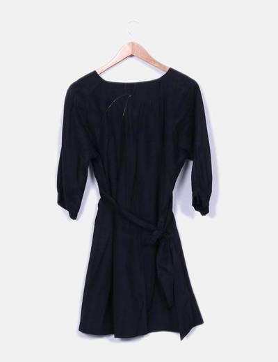 Vestido negro fluido semitransparente