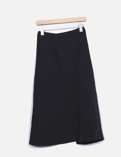 Falda negra asimetrica