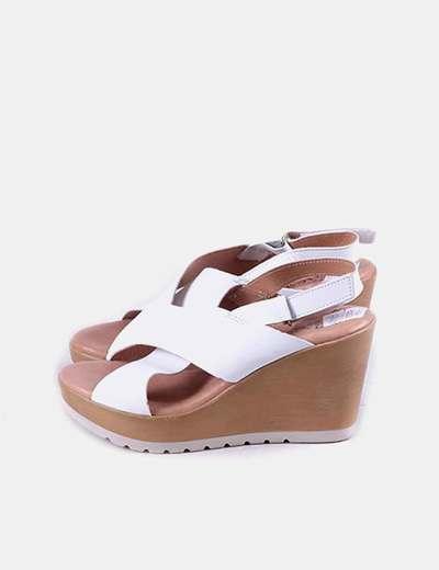 Sandalias blancas cuña