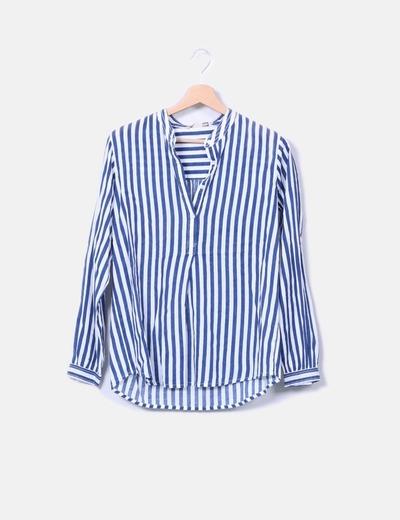Camisa de rayas detalle botones Sfera