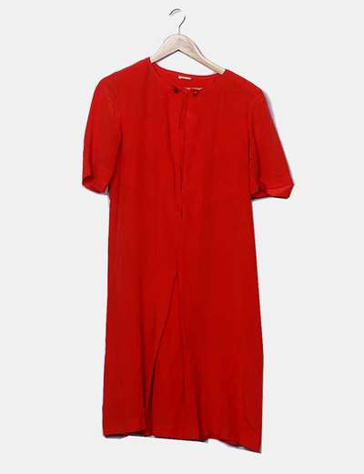Vestido fluido rojo detalle botones