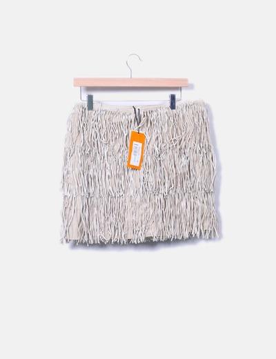 Minifalda de piel beige con flecos