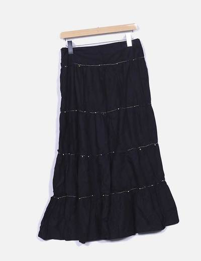 Falda larga negra con abalorios