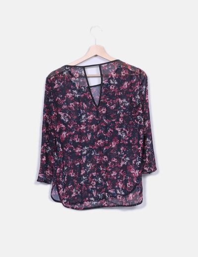 Blusa floral semitransparente