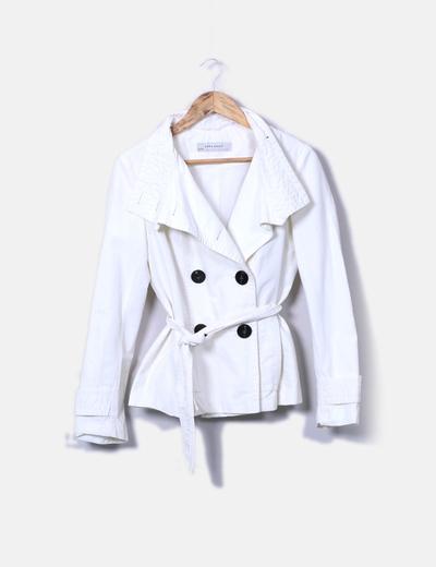 Gabardina blanca Zara