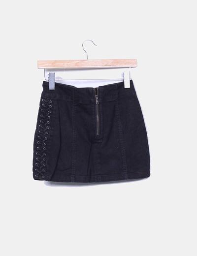 a574d79b6 H M Mini falda denim negra con cordones (descuento 69%) - Micolet