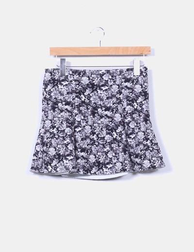 Mini falda floral Pull&Bear
