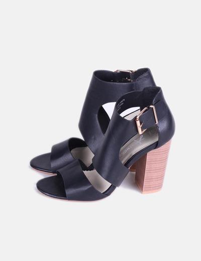 Zapato abotinado de tiras negras Atmosphere