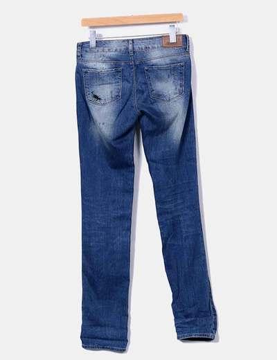 Jeans denim pitillo efecto desgastado