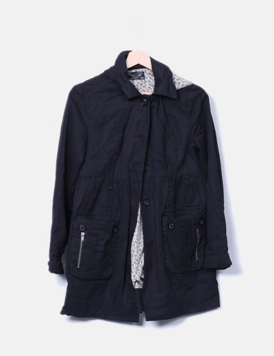 Gabardina negra con capucha Zara