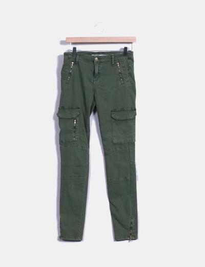 Pantalón verde militar bolsillos