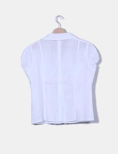 Camisa blanca detalle bolsillos