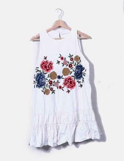 Vestido midi blanco flores bordadas Zara