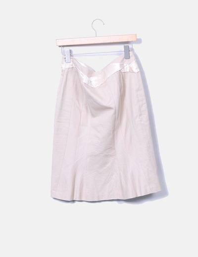 Conjunto de blazer y falda combinada beige