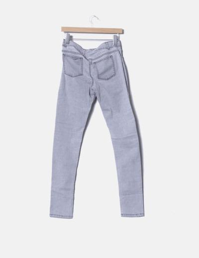 Pantalon denim gris desgastado