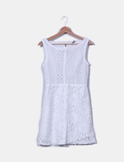 Vestido blanco crochet Naf Naf