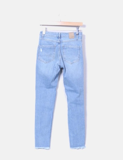 4edfdef9f1 Stradivarius Jeans denim azul claro tiro alto (descuento 4%) - Micolet