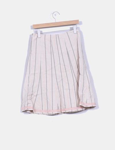 Falda beige con vuelo estampado rayas