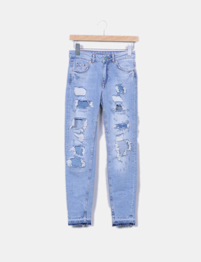 Jeans denim azul con rotos