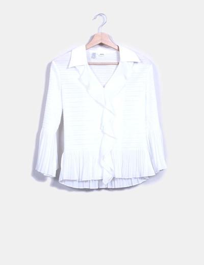 Camisa blanca texturizada con chorreras Simorra