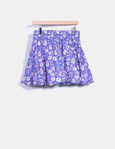 Falda morada con estampado floral