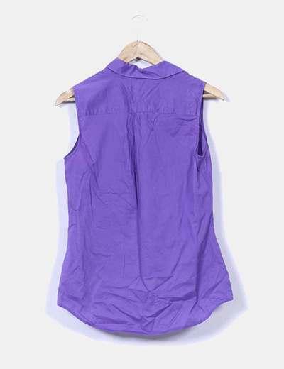 Camisa morada sin mangas